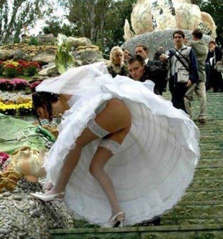 Ir a casamentos às vezes pode ser divertido